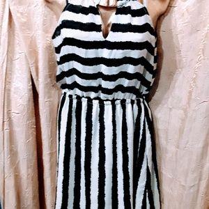 Bebe mini dress blck/white stripes size
